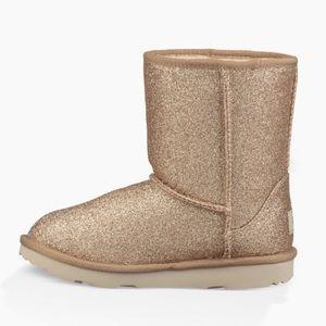 UGG Shoes - 🚫✂️💘 NIB💘 UGG Classic Short gold glitter boot
